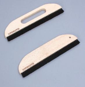 DIY壁紙貼替えにおすすめの撫で刷毛とは?