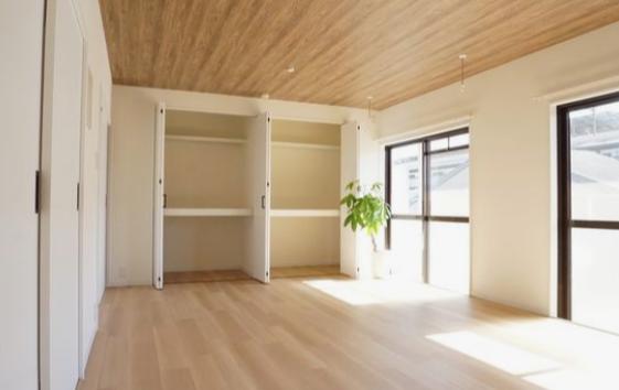 DIY壁紙貼替えにおすすめのアクセントクロス【木目調】